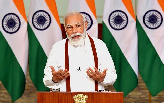 Das ist der indische Premierminister Narendra Modi. Er regiert das Land seit 2014.